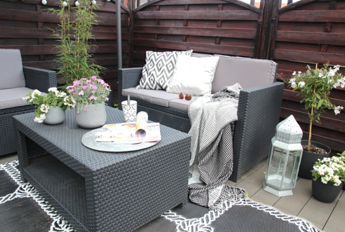 ikea gartenmöbel outdoor rattan grau sofa sessel couchtisch teppich