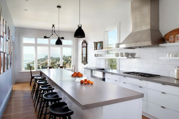 küchenbeleuchtung schwarze pendellampen weiße küchenaschränke
