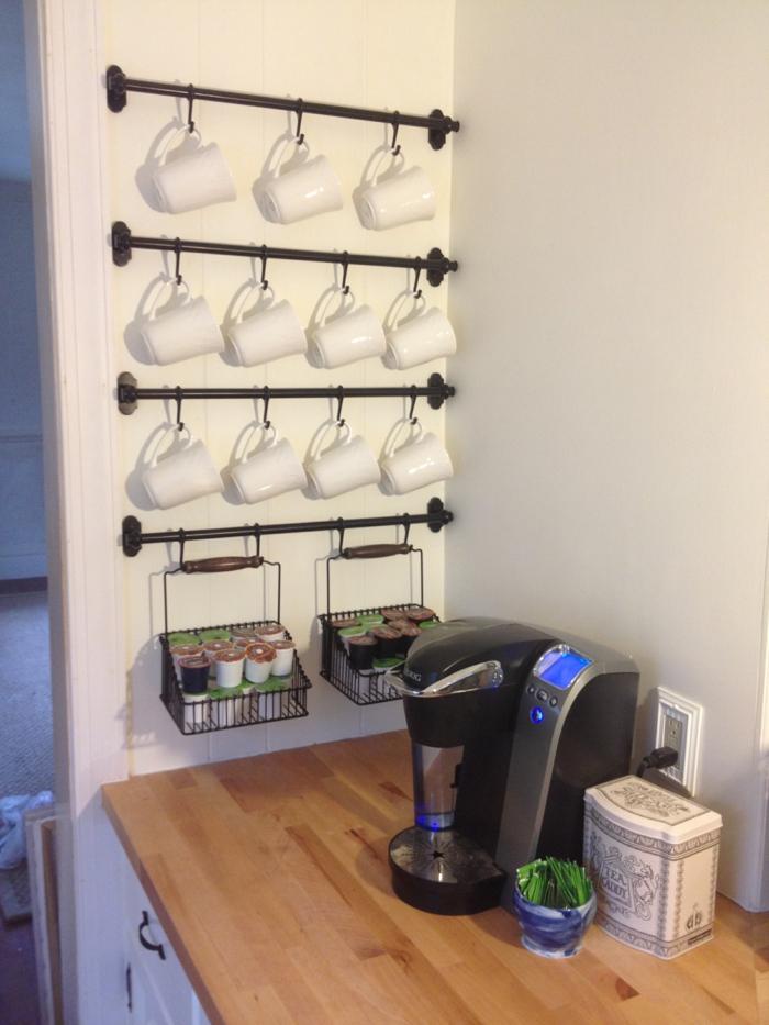 kücheneinrichtungen henkel holzbrett kaffebar ikea