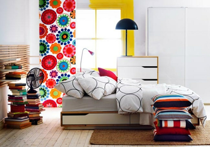 kleines schlafzimmer gestalten schlafzimmer gardinen indireckte beleuchtung hell stilvoll ikea15