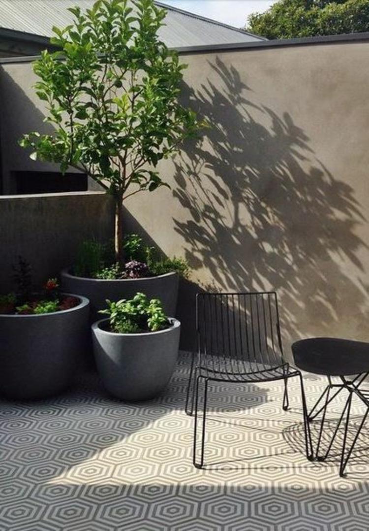 moderne Terrassengestaltung Bilder Balkonmöbel Gartenmöbel und Kübelpflanzen