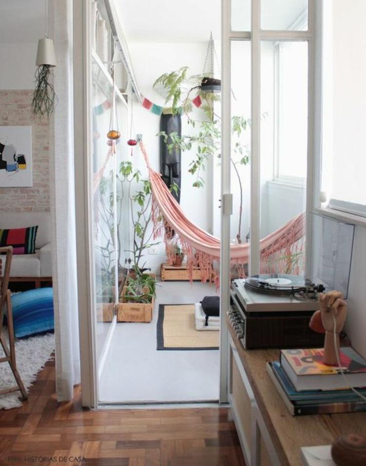 moderne Terrassengestaltung Bilder Balkonmöbel Hängematte Balkonpflanzen