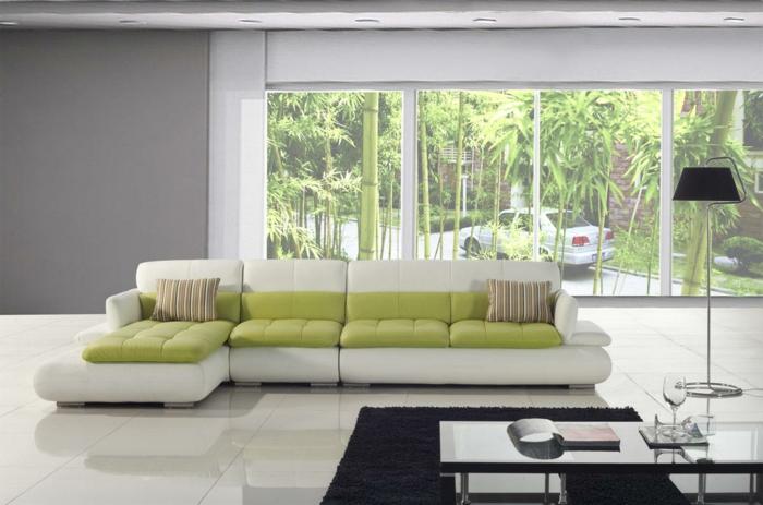 moderne bodenbeläge wohnzimmer einrichten grüne akzente weiße bodenfliesen