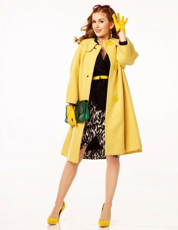 modetrends fashion filme shopaholic schnäppchenjägerin gelber mantel pumps schuhe