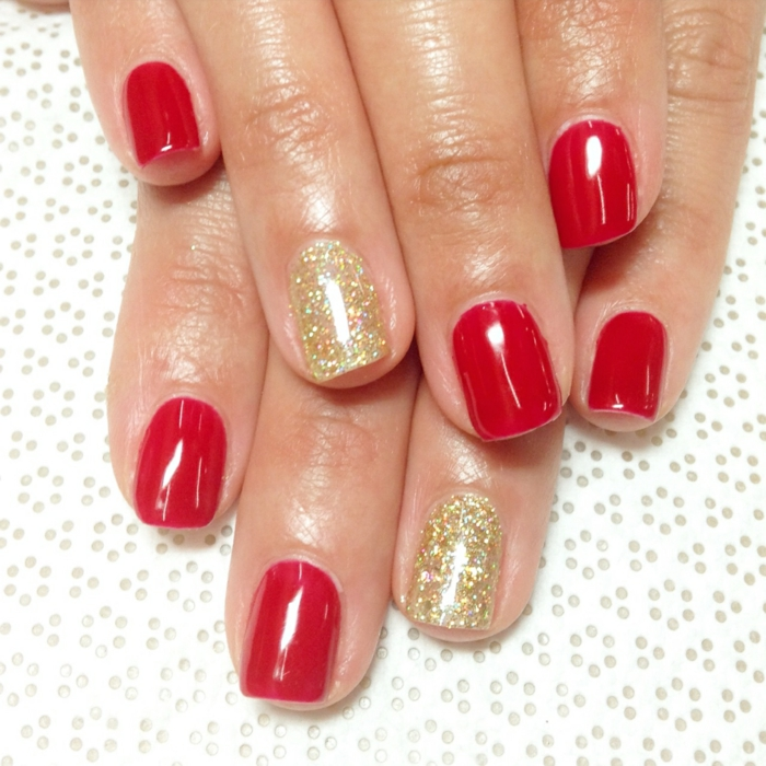 nageldesigns rot golden elegant maniküre