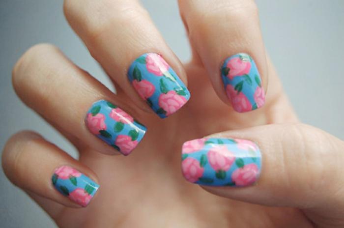 nagellack ideen florales muster frisch frühling nageltrends