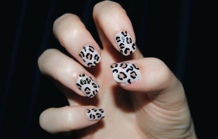 nagellack ideen leopardenmuster nageldesign trends