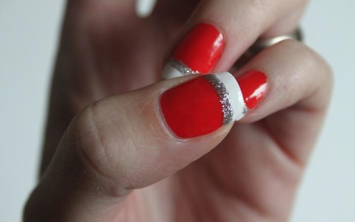 nagellack ideen rot französische maniküre silberne streifen