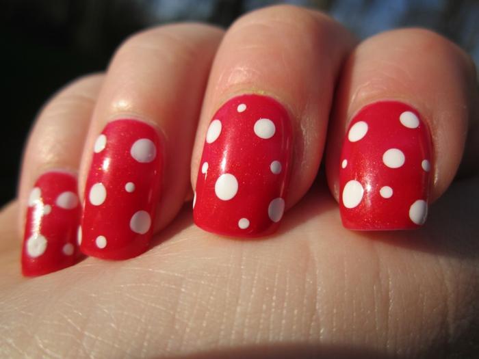 nagellack ideen rote nägel weiße punkte nageldesign