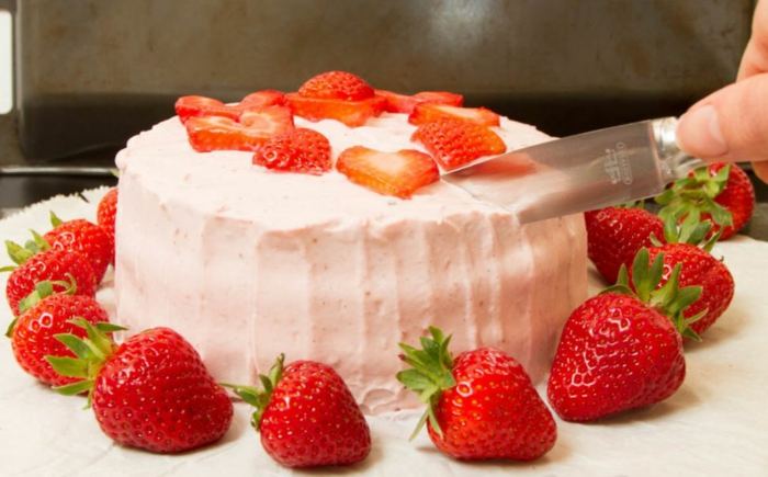 rezepte mit erdebeeren erdbeertiramisu erdbeer sahne torte
