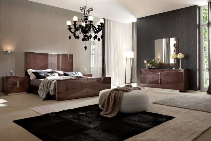 schlafzimmer einrichten beispiele dunkler teppich spiegeloberflächen