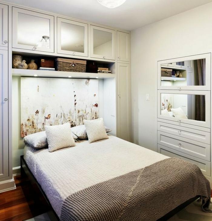 schlafzimmer weiß cooles bettkopfteil stauraum kleines schlafzimmer