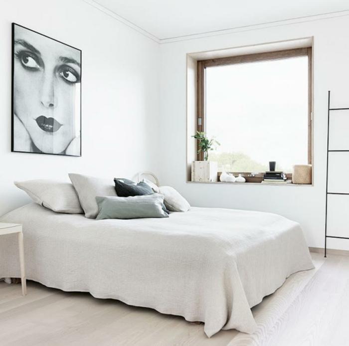 schlafzimmer weiß dekokissen fensterbank dekorieren holzboden