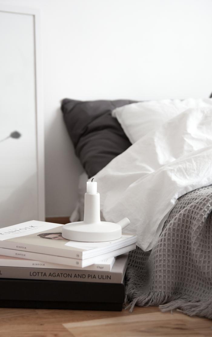 schlafzimmer weiß skandinavischer stil holzboden