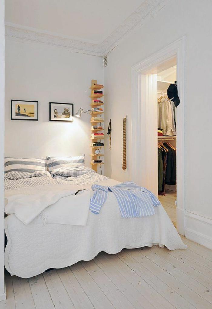 schlafzimmer weiß skandinavisches schlafzimmer holzboden wandregale