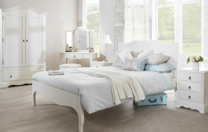 schlafzimmer weiß weiße möbel beiger teppich bodenfliesen