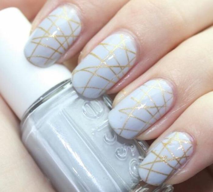 schlichte Nägel Nageldesign Bilder Goldakzente Fingernägel