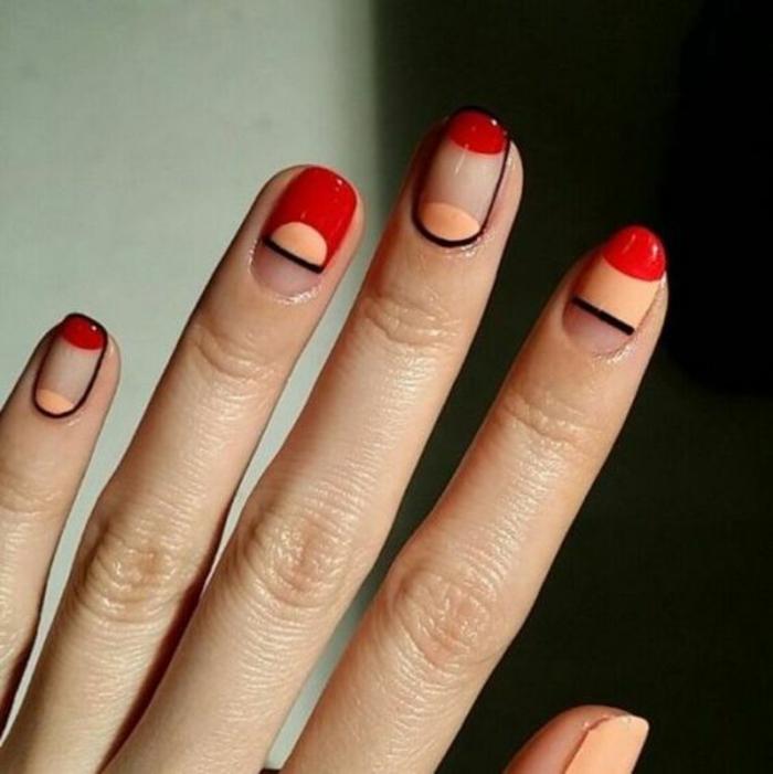 schlichte Nägel Nageldesign Bilder schwarze Konturen Fingernägel warme Farben