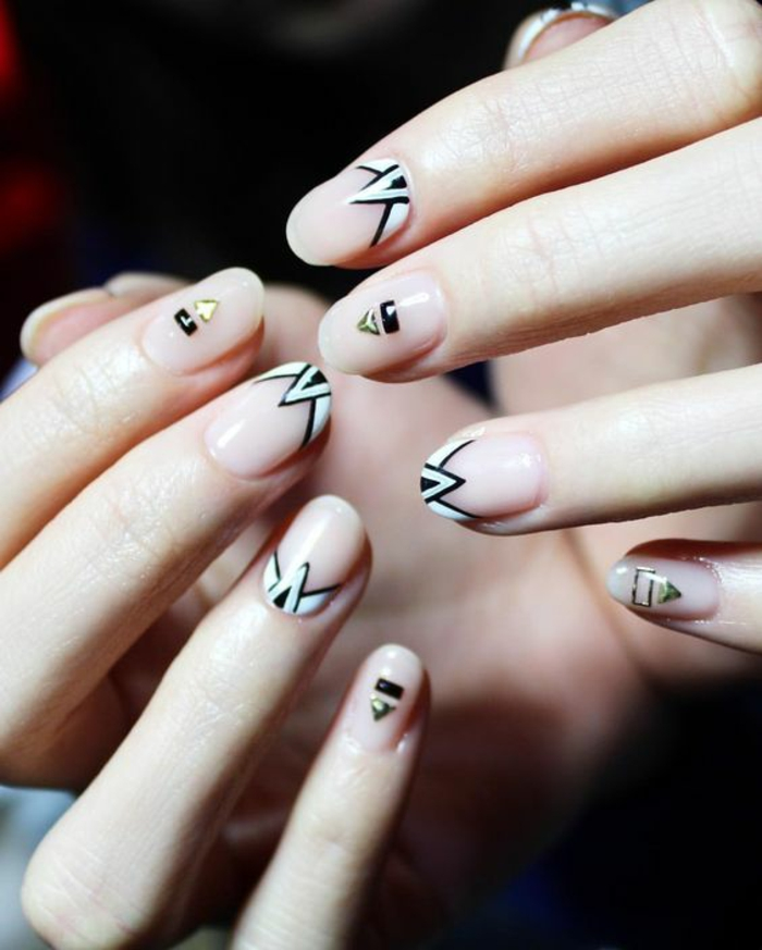 schlichte Nägel Nageldesign Bilder trendy Mustere Fingernägel