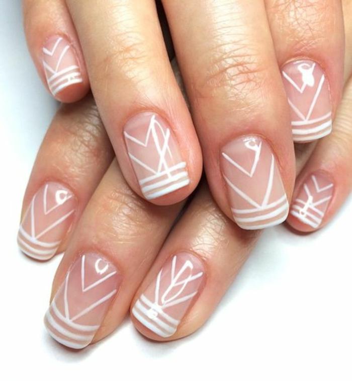 schlichte Nägel Nageldesign Bilder weiße Konturen trendy Fingernägel