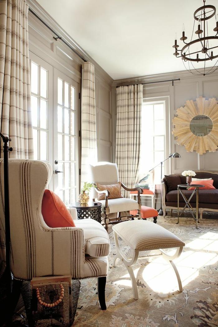 stoffmuster wohnzimmer gardinen streifen teppich orange dekokissen
