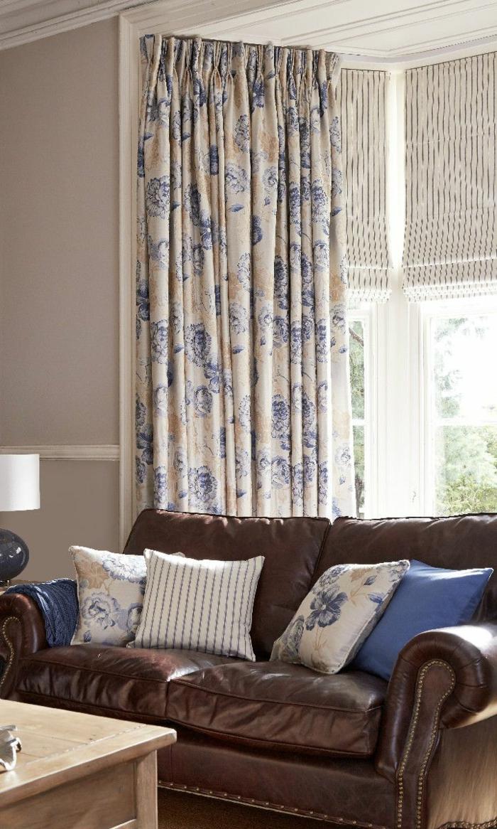 stoffmuster wohnzimmer ledersofa dekokissen gardinenmuster