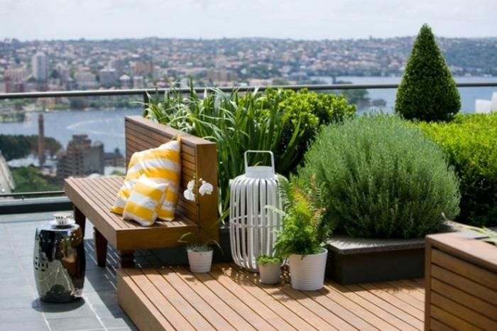 terrasse gestalten terrassenüberdachung feuerstelle gartenmöbel bambus