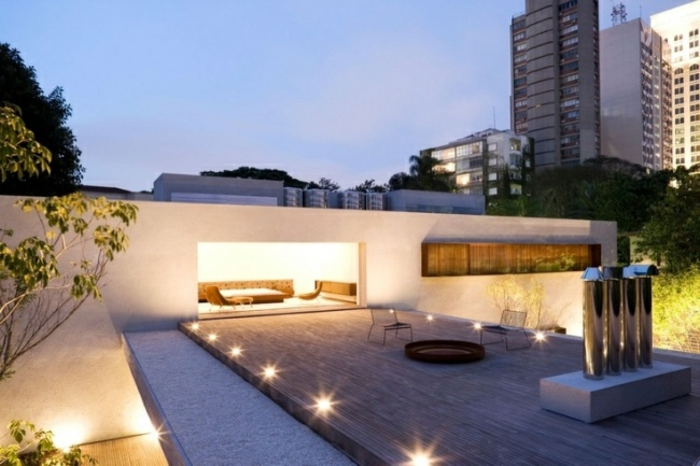 terrasse terrassenüberdachung feuerstelle gartenmöbel bodenbeleuchtung