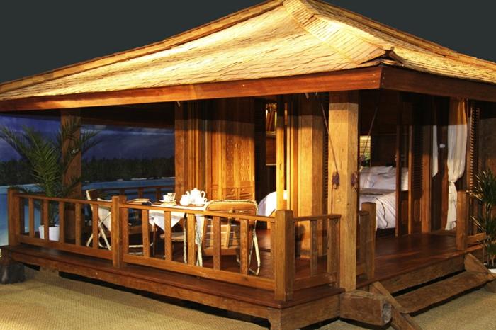 terrassenüberdachung feuerstelle gartenmöbel holzhaus