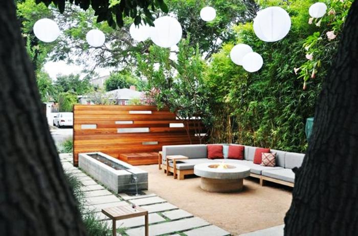 terrassenüberdachung feuerstelle gartenmöbel modern pergola