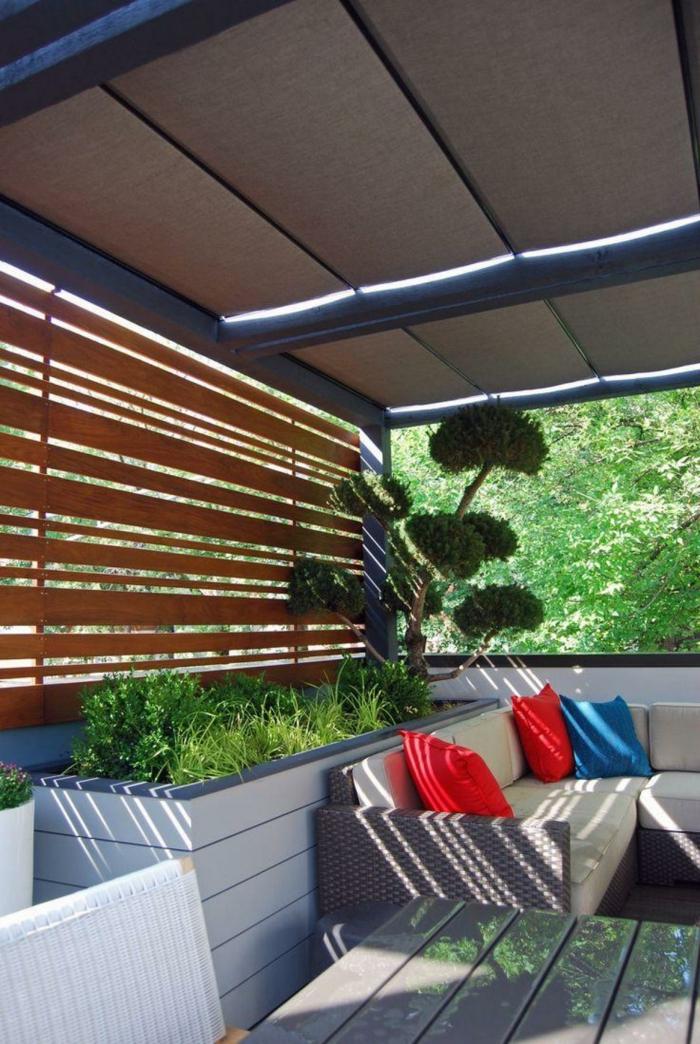 terrasse gestalten terrassenüberdachung feuerstelle gartenmöbel pergola