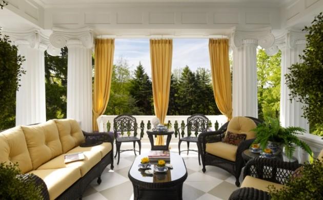 terrasse-gestalten-terrassenüberdachung-feuerstelle-gartenmöbel-stilvoll