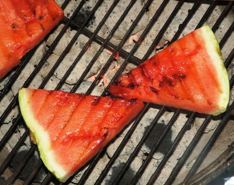 vegetarische Grillrezepte vegetarische Gerichte gegrillte Wassermelone