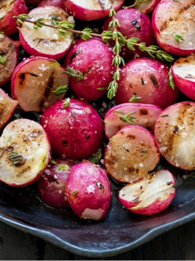 vegetarische Grillrezepte vegetarische Spieße zubereiten Radieschen