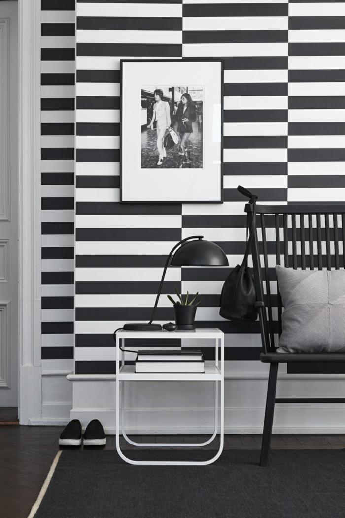 Muster Schwarz-Weiß wandgestaltung mit Farbe einrichtungsbeispiele schwarz weiß wohnzimmer einrichten horizontale streifen