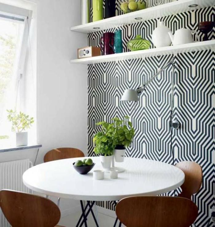 Muster in Schwarz-Weiß wandgestaltung mit Farbe schwarz weiß wohnzimmer einrichtungsbeispiele tropfen wand