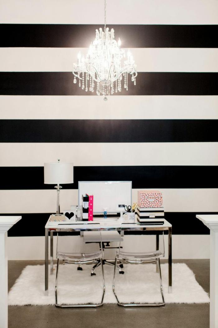 Muster in Schwarz-Weiß wandgestaltung mit Farbe schwarz weiß wohnzimmer einrichten weiss schwarz streifen horizontal