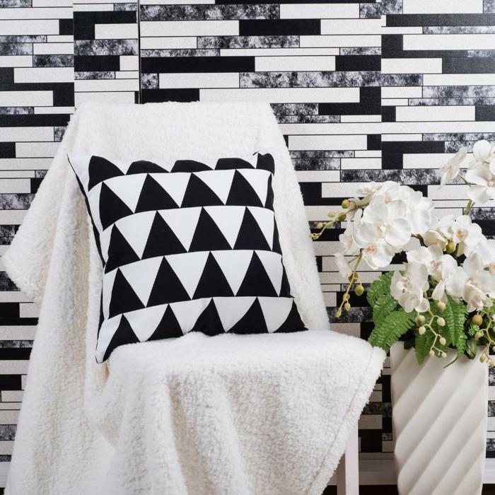 Muster in Schwarz-Weiß wandgestaltung mit Farbe einrichtungsbeispiele schwarz weiß wohnzimmer einrichten wirr