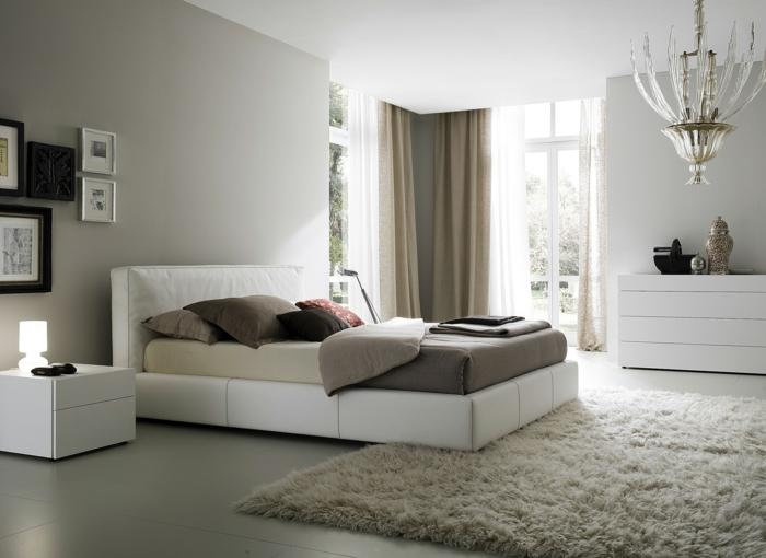 Weißes Schlafzimmer Weiße Möbel Beige Wände Teppich Leuchter