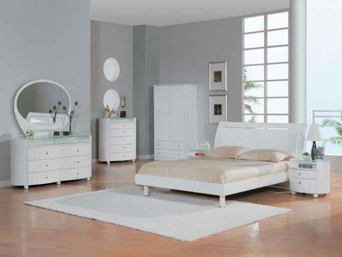 weißes schlafzimmer weiße einrichtung teppich schminktisch pflanzen