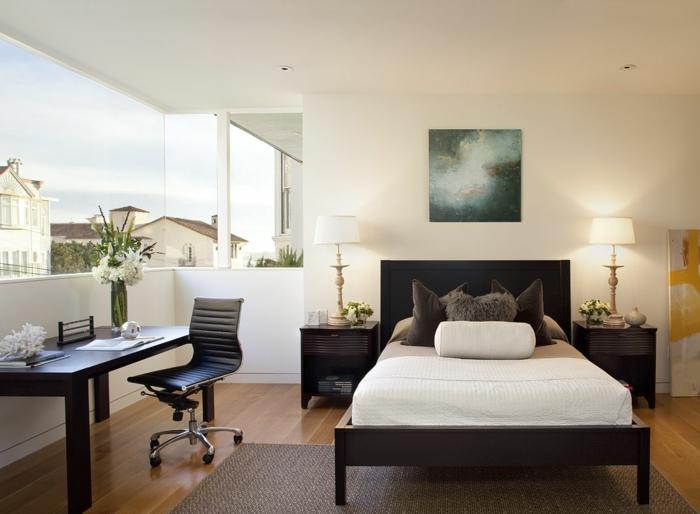 wohnideen schlafzimmer farbegestaltung weiße wände dunkles bett schreibtisch