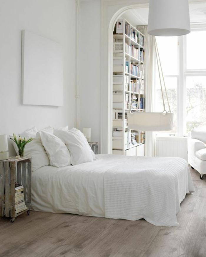 wohnideen schlafzimmer weiße wände holzboden rustikaler nachttisch