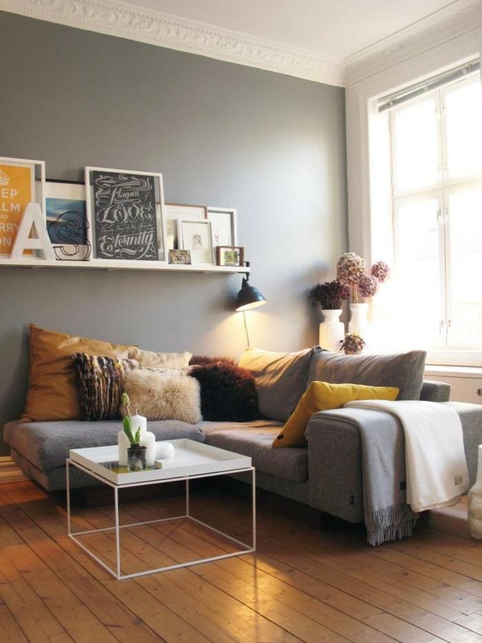wohntrends wohnideen wohnzimmer gelbe akzente holzboden vasen