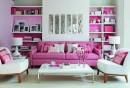 wohntrends-wohnzimmer-rosanuancen-blumen-weißer-teppichboden