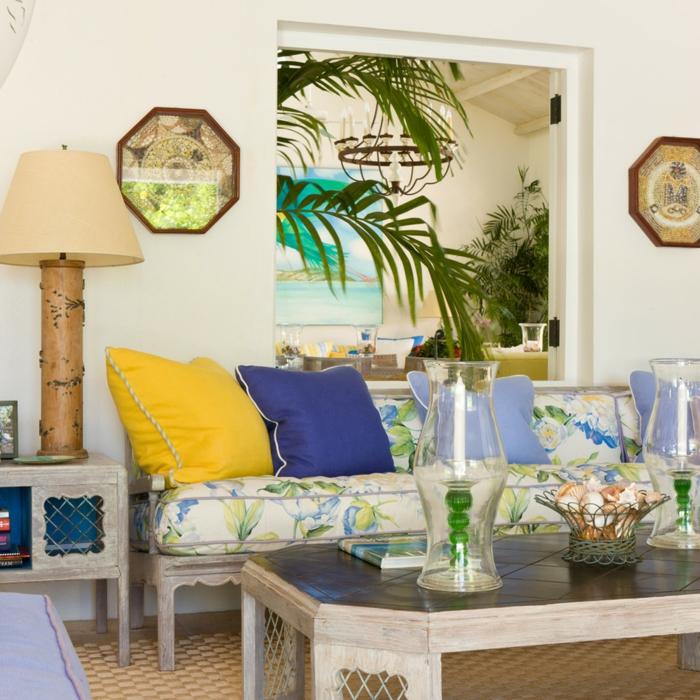 wohnung einrichten ideen wohnzimmer florales muster wohnzimmersofa