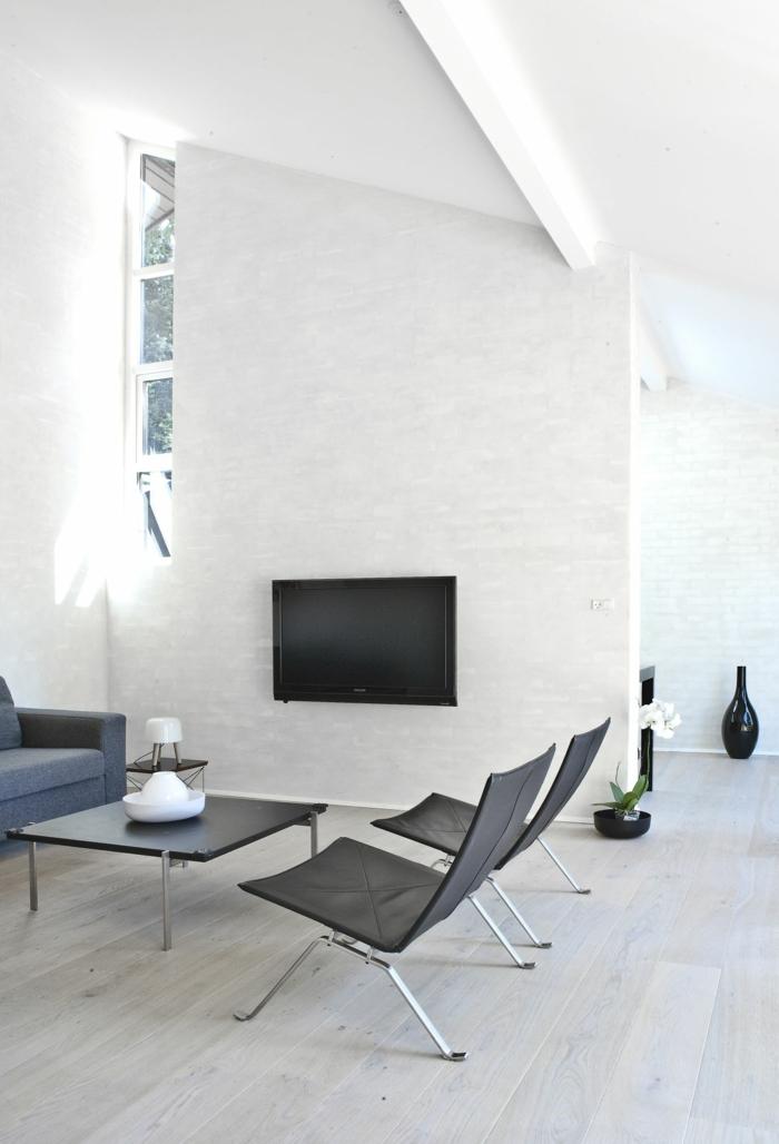wohnzimmer einrichten beispiele weiße wände kamin dunkle möbel