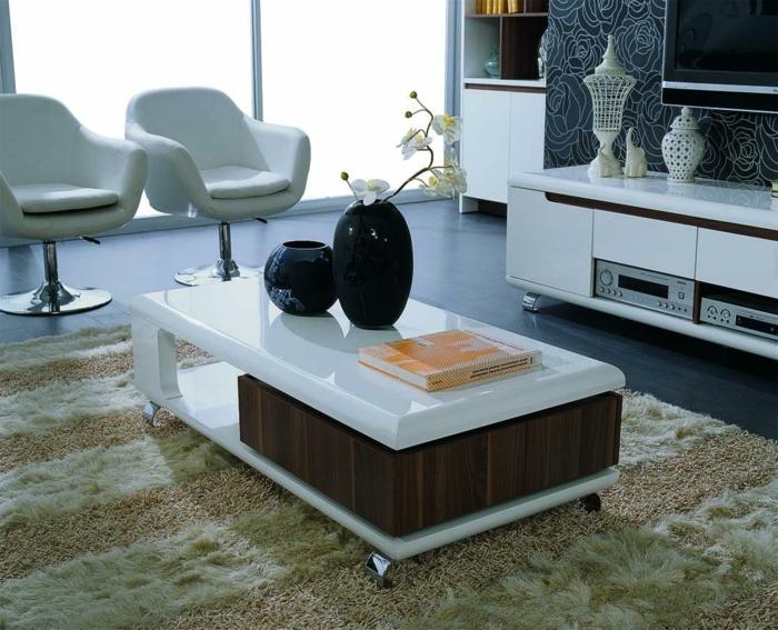 wohnzimmer einrichten ideen funktionaler couchtisch teppich sessel