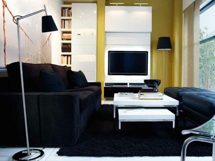wohnzimmer fliesen bodenbelag weiße bodenfliesen schwarzer teppich kontrast