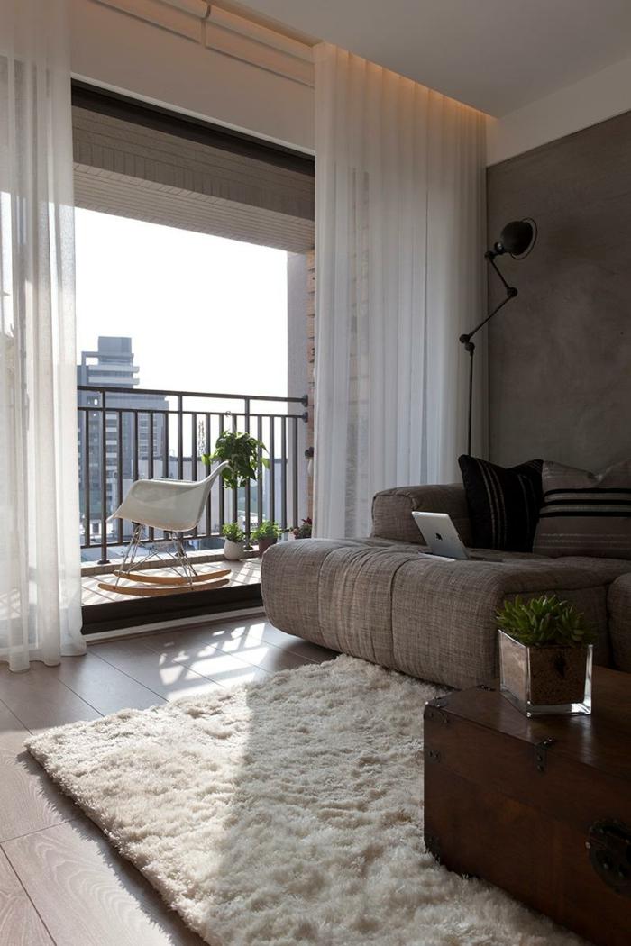 wohnzimmer gardinen ideen luftig weiß vintage couchtisch