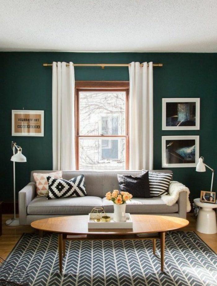 wohnzimmer gardinen ideen weiß graüne wandfarbe teppichmuster